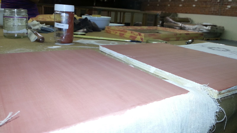 Clay-bole-on-Panels